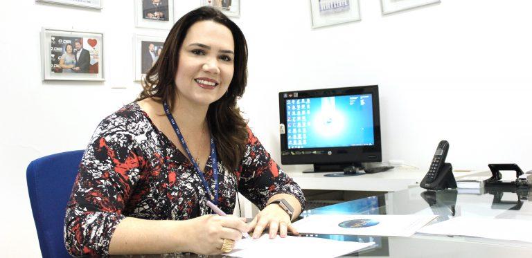 Diretora de Ensino, Antonieta Lira